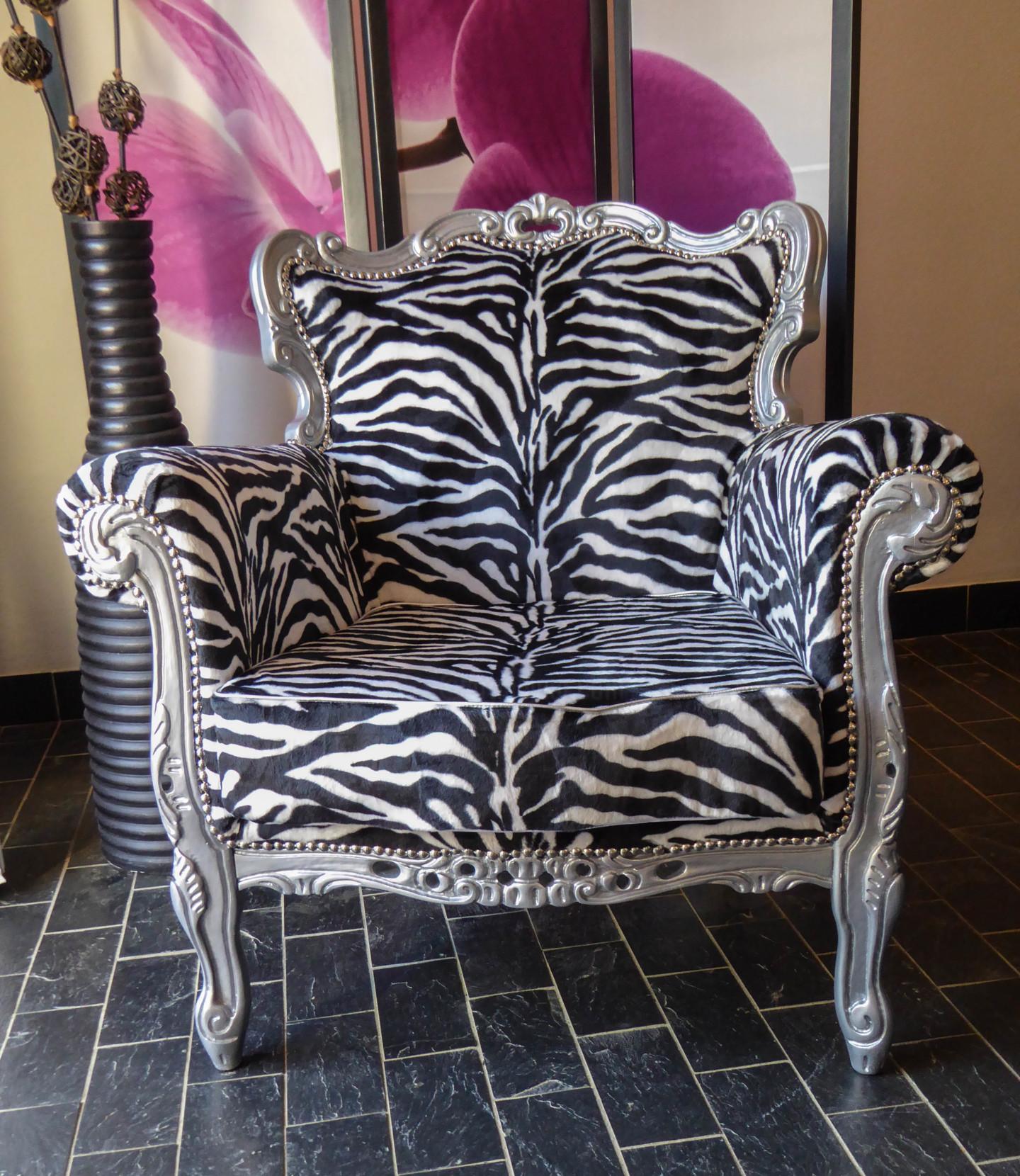 Un Monde Nomade - fauteuil baroque zébré